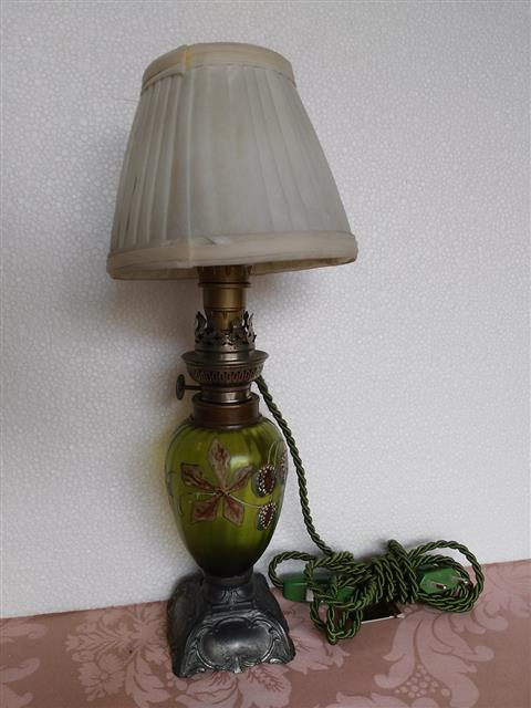 Oil lamp, painted glass body