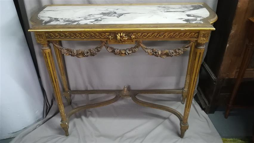 French golden console with gold leaf and white marbling marble, beginning s. XX